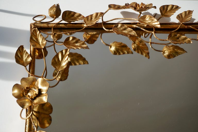 Mirror in Gilded Metal with Vine Leaves Italy, 1970s For Sale 1