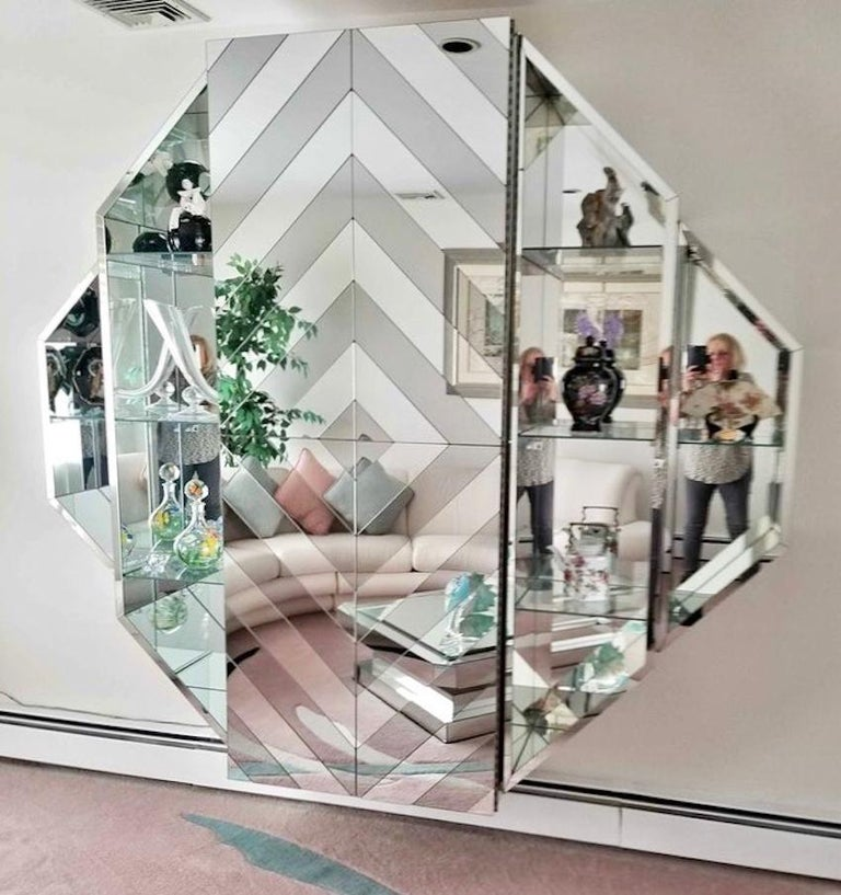 Mirrored Octagonal Wall-Mounted Bar Cabinet For Sale 5