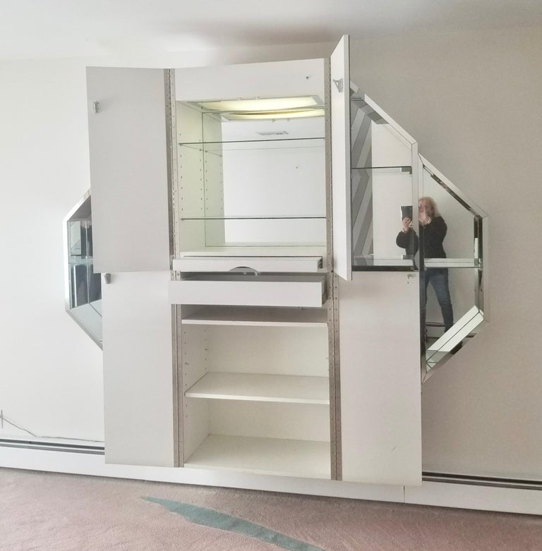 Mirrored Octagonal Wall-Mounted Bar Cabinet For Sale 8