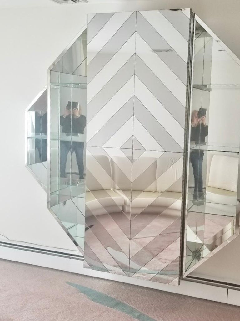 Mirrored Octagonal Wall-Mounted Bar Cabinet For Sale 9
