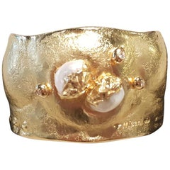 Misani 18 Karat Yellow Gold Freshwater Pearl Bangle Cuff Bracelet