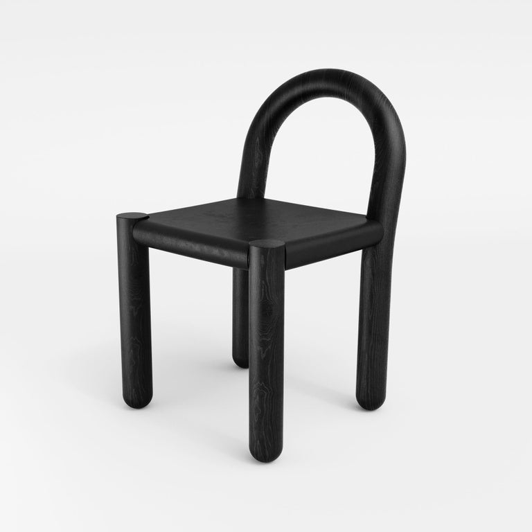 Missa Chair in Leather and Hardwood by Pedro Paulo Venzon In New Condition For Sale In Florianopolis, Santa Catarina