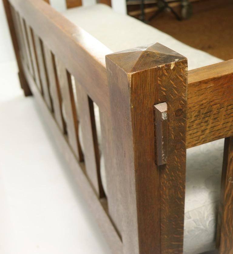 Mission Arts & Crafts Settle Attributed to Gustav Stickley For Sale 3