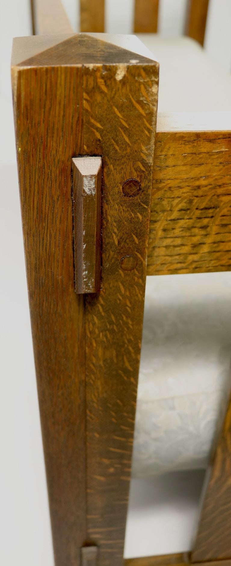Mission Arts & Crafts Settle Attributed to Gustav Stickley For Sale 4