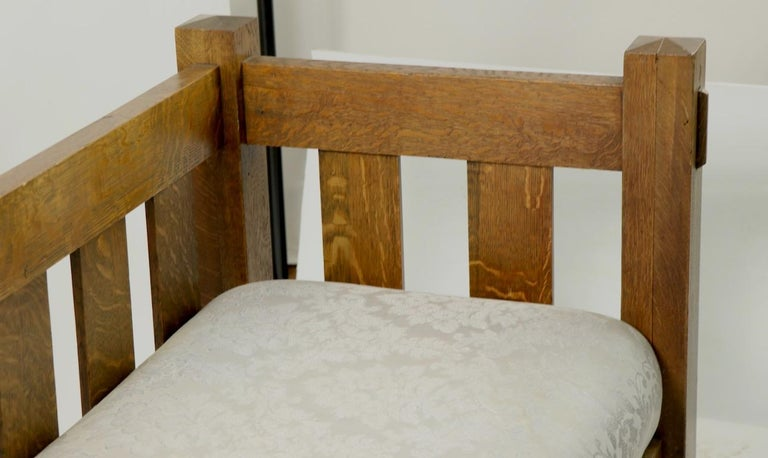 Mission Arts & Crafts Settle Attributed to Gustav Stickley For Sale 5