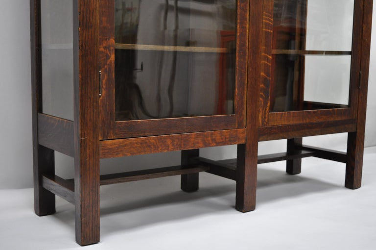 Mission Arts & Crafts Stickley Era Glass Double Door China Cabinet Bookcase In Good Condition In Philadelphia, PA