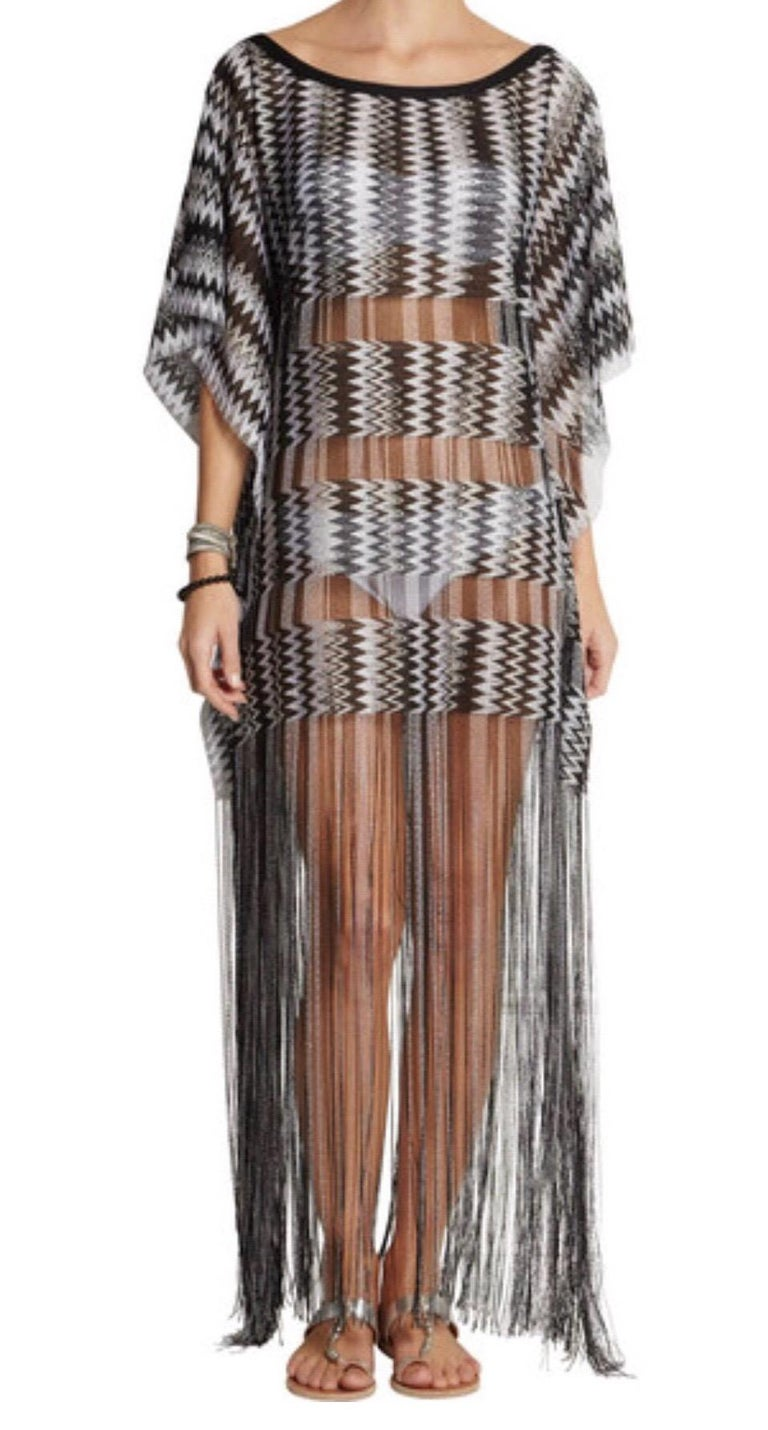 Missoni Monochrome Signature Fringed Crochet Knit Dress Kaftan Gown Cover Up In Excellent Condition For Sale In Switzerland, CH
