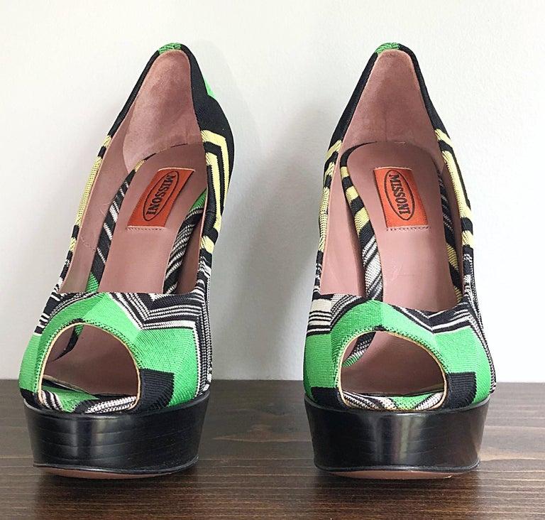Missoni Size 36 / 6 Green + Yellow Zig Zag Platforms Peep Toe High Heels Shoes For Sale 2