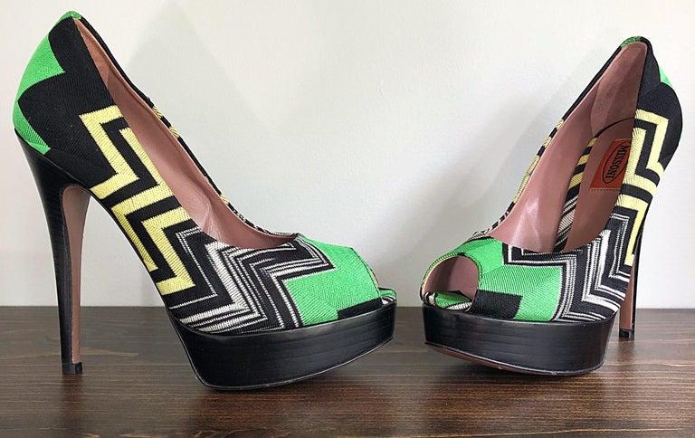 Missoni Size 36 / 6 Green + Yellow Zig Zag Platforms Peep Toe High Heels Shoes For Sale 4