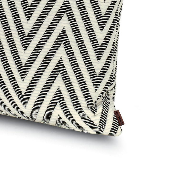 Perfect for adding an elegant touch to any bedroom or living room.   Composition: 53% Polyester, 30% Cotton, 17% Polyamide. Care: delicate dry-clean with perchlorethylene.