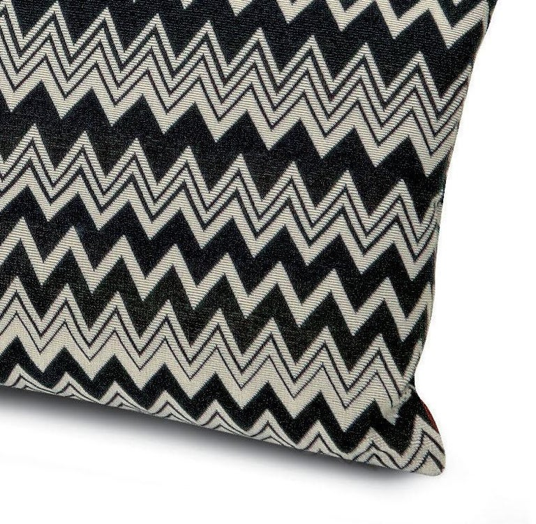 Decorative cushion in black and white iconic Missoni chevron print. Perfect for adding an elegant touch to any bedroom or living room.  Composition: 100% Polyester. Care: delicate dry-clean with perchlorethylene.