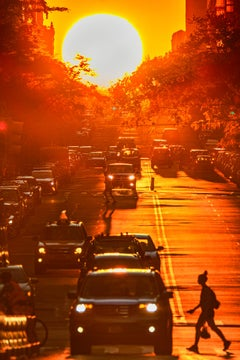 Manhattanhenge, Big Sun Sunset Manhattan Street  Golden Light Silhouetted People
