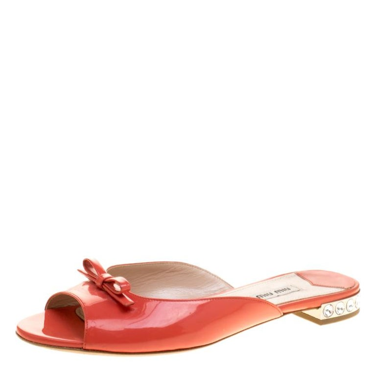 411d127d3 Miu Miu Coral Patent Leather Bow Detail Jeweled Heel Flat Slides Size 38  For Sale