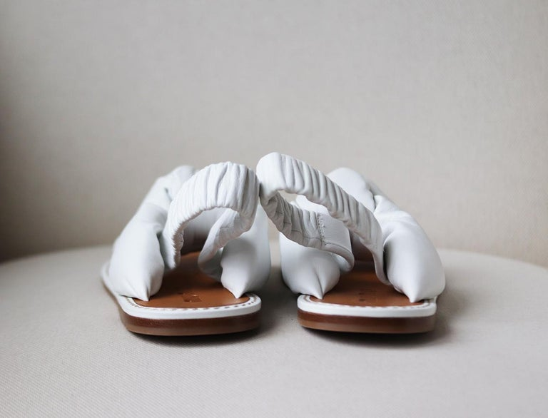 Miu Miu Knotted Leather Sandals In New Condition For Sale In London, GB
