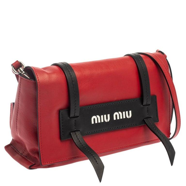 Women's Miu Miu Red Leather Grace Shoulder Bag For Sale
