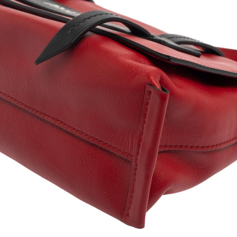 Miu Miu Red Leather Grace Shoulder Bag For Sale 5