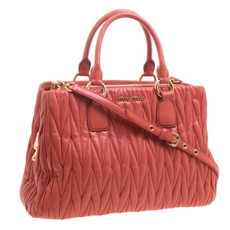 4bb06134e Miu-Miu Matelasse Leder Shopper Tasche im Angebot bei 1stdibs