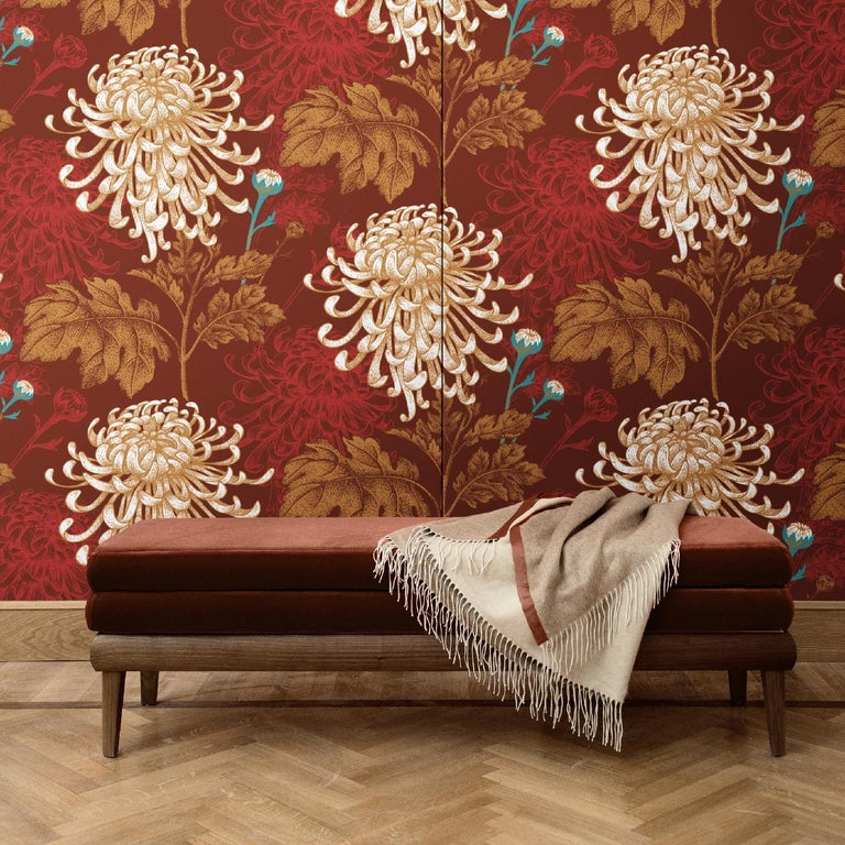 A stunning decoration that will make a statement in any room in the house, this wall covering is part of the Mixed Dahlia series and can be used to add a dramatic accent to a whole room or to highlight a portion of a wall. It was crafted of silk and