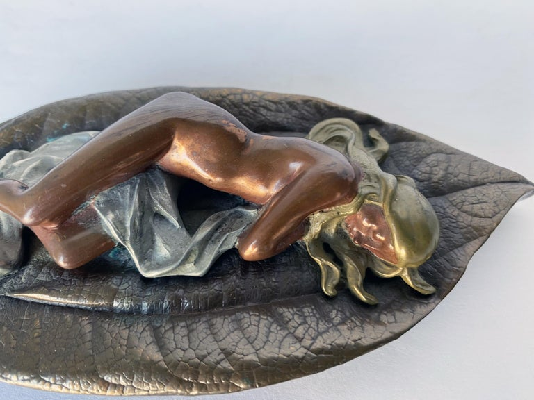 Mid-20th Century Mixed Metal Art Deco Nude Female on Leaf Figural Ashtray For Sale