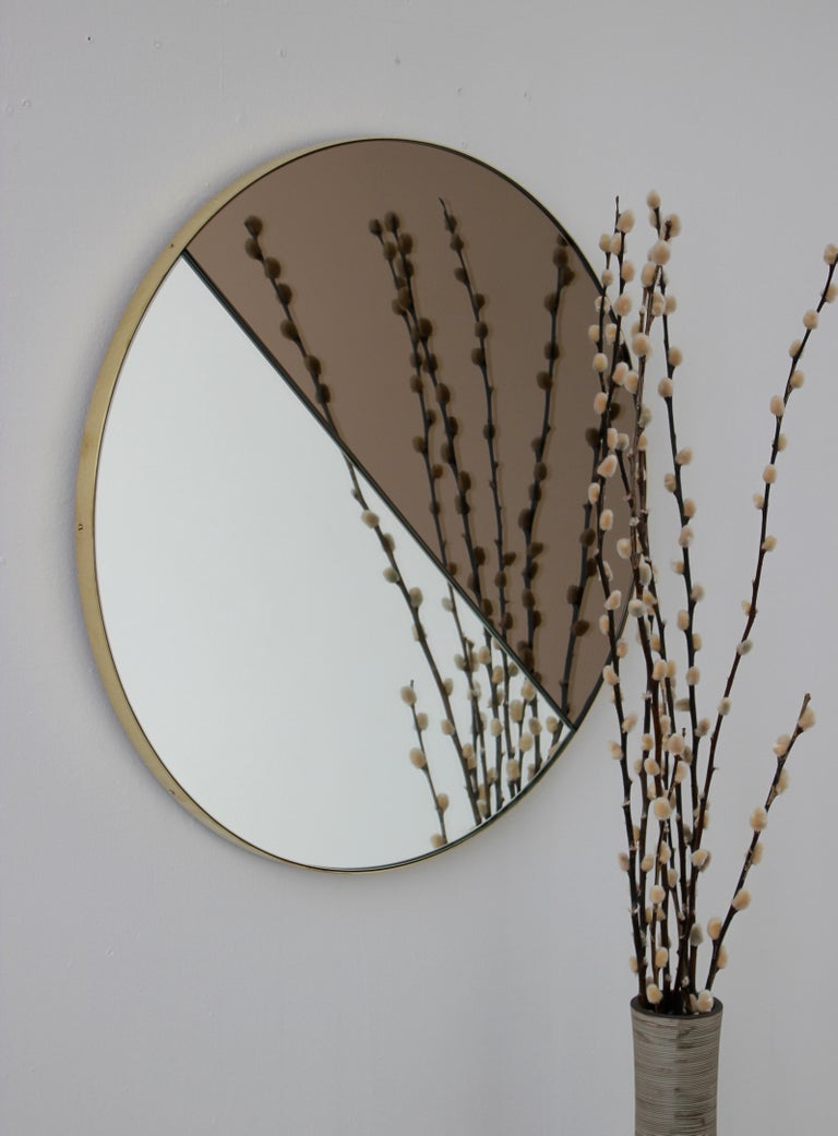 Mixed Tints Dualis Orbis Round Modern Mirror with Brass Frame, Large Size In New Condition For Sale In London, GB