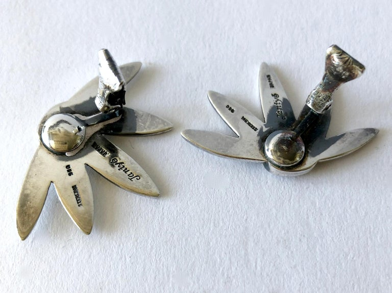 Miye Matsukata for Janiye Modernist Sterling Silver Floral Leaf Earrings In Good Condition For Sale In Los Angeles, CA