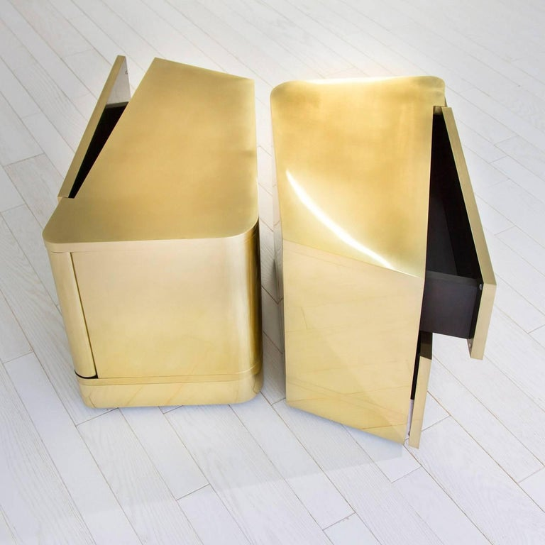French  MMXVIBCI et MMXVIBC2 Handcrafted Polished Brass Nightstand Tables For Sale