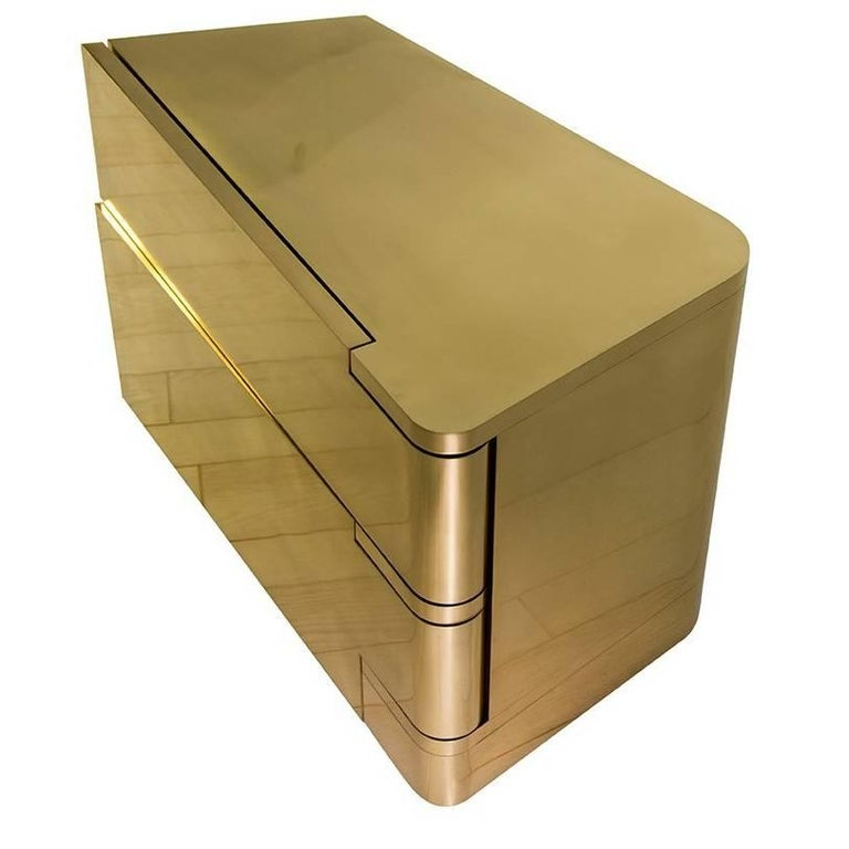 MMXVIBCI et MMXVIBC2 Handcrafted Polished Brass Nightstand Tables For Sale