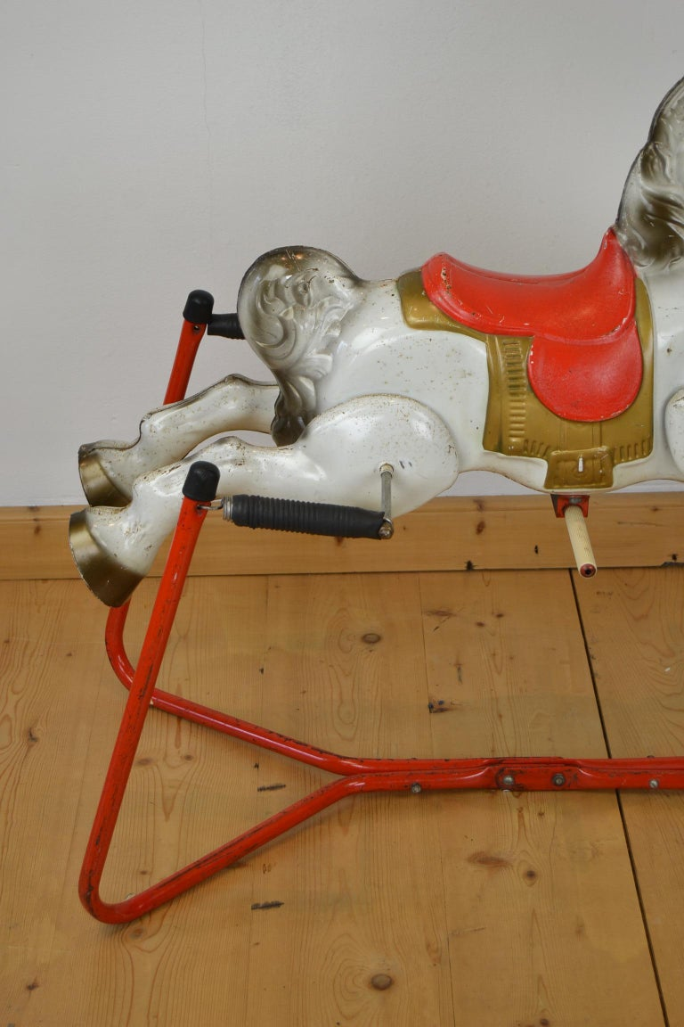 Mobo Prairie King Rocking Horse Toy, England, 1960s In Good Condition For Sale In Antwerp, BE
