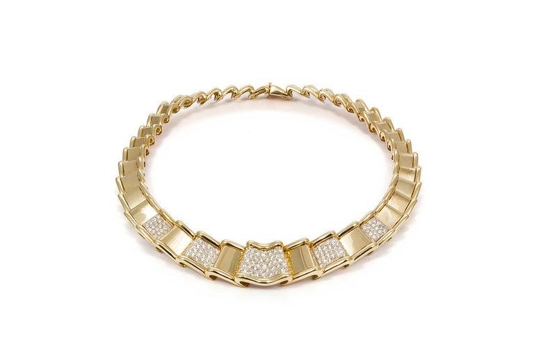 Women's Moboco 18 Karat Yellow Gold and Diamond Ribbon Jewelry Set For Sale