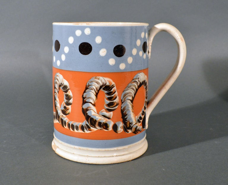 Mocha Tankard with Earthworm and Dot Decoration, Early 19th Century In Good Condition For Sale In Downingtown, PA