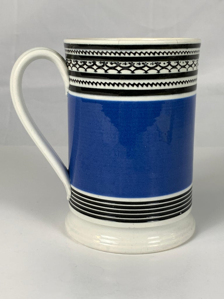 Mochaware Mug with Royal Blue Slip and Black Geometric Designs Made England In Good Condition For Sale In Katonah, NY