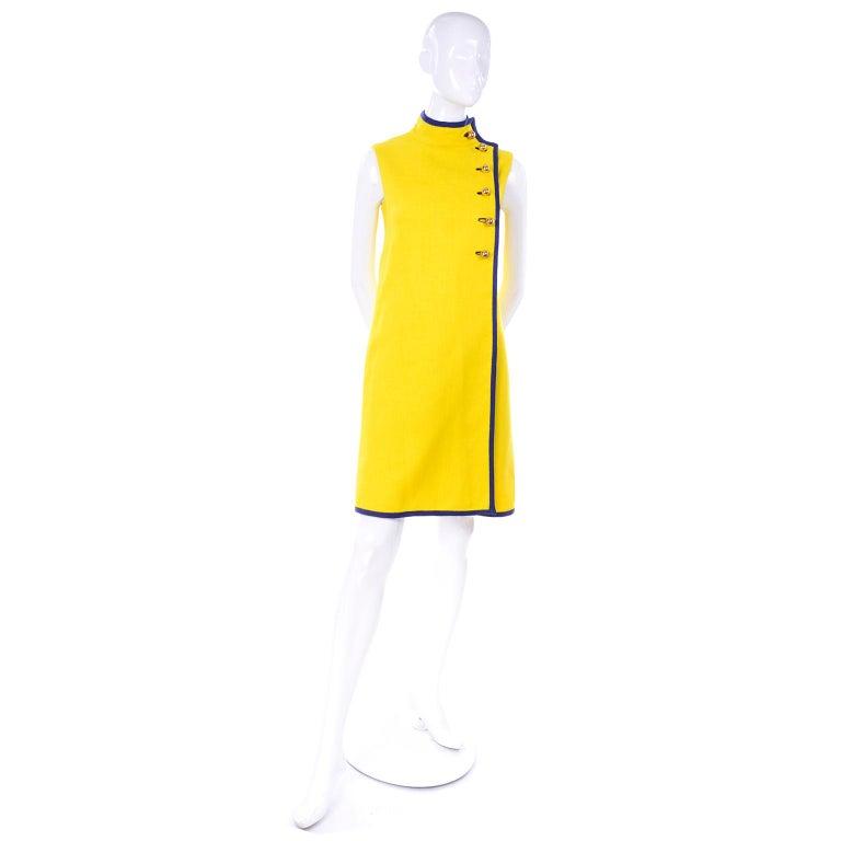 Mod 1960s Yellow Linen Sleeveless Dress With Navy Blue Trim & Brass Buttons