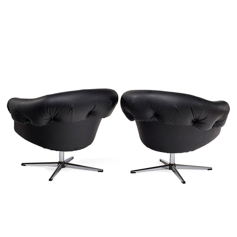 American Overman Style Mod Pod Lounge Chair Set in Black Tufted Vinyl, Four Star Bases