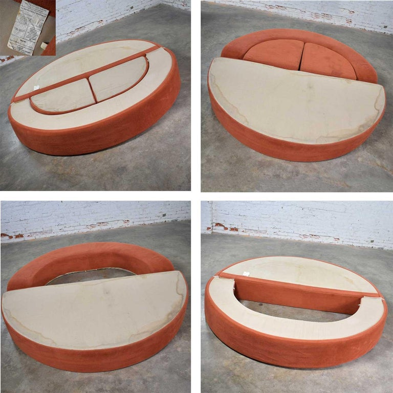 Mod Round Sleeper Sofa with Ottomans in Orange Fuzzy Fabric by Spherical Furn In Good Condition For Sale In Topeka, KS