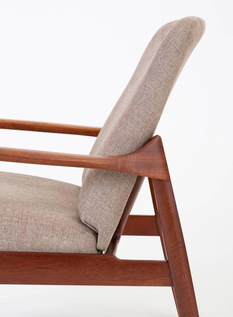 Model 125 Lounge Chair by Tove & Edvard Kindt-Larsen for France & Son For Sale 10