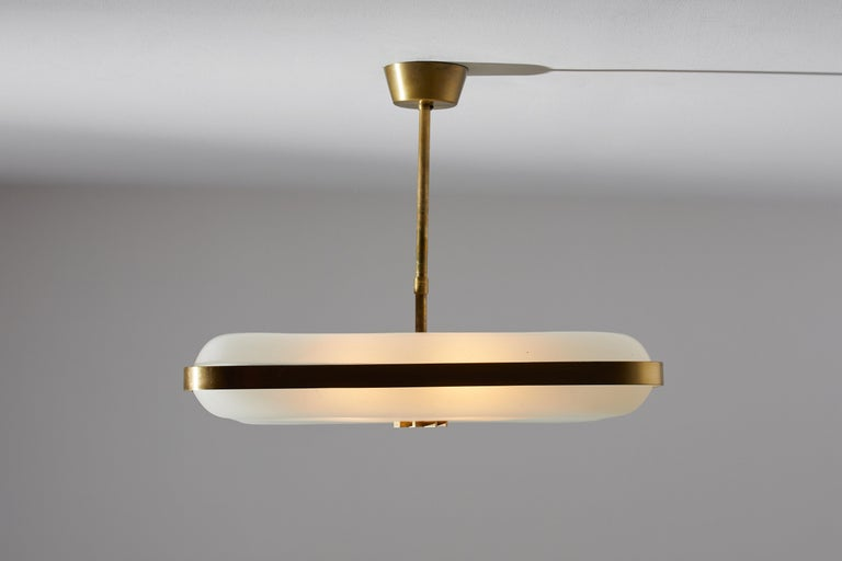 Model 2022 Flush Mount Ceiling Light by Max Ingrand for Fontana Arte In Good Condition In Los Angeles, CA