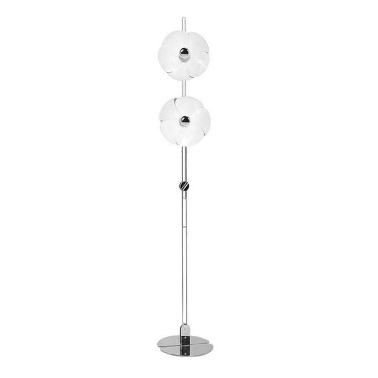Model 2093-225 floor lamp by Olivier Mourgue for Disderot. This is a current production, designed and manufactured in France. In 1967, Olivier Mourgue invented a flower shaped lighting device, made of aluminum petals fixed on two chromed metal