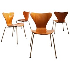 Model 3107 Dining Chairs by Arne Jacobsen, Seven Series by Fritz Hansen, Denmark