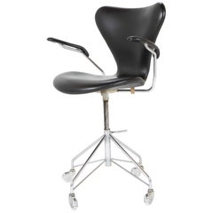 Model 3117 Desk Chair by Arne Jacobsen for Fritz Hansen Sevener