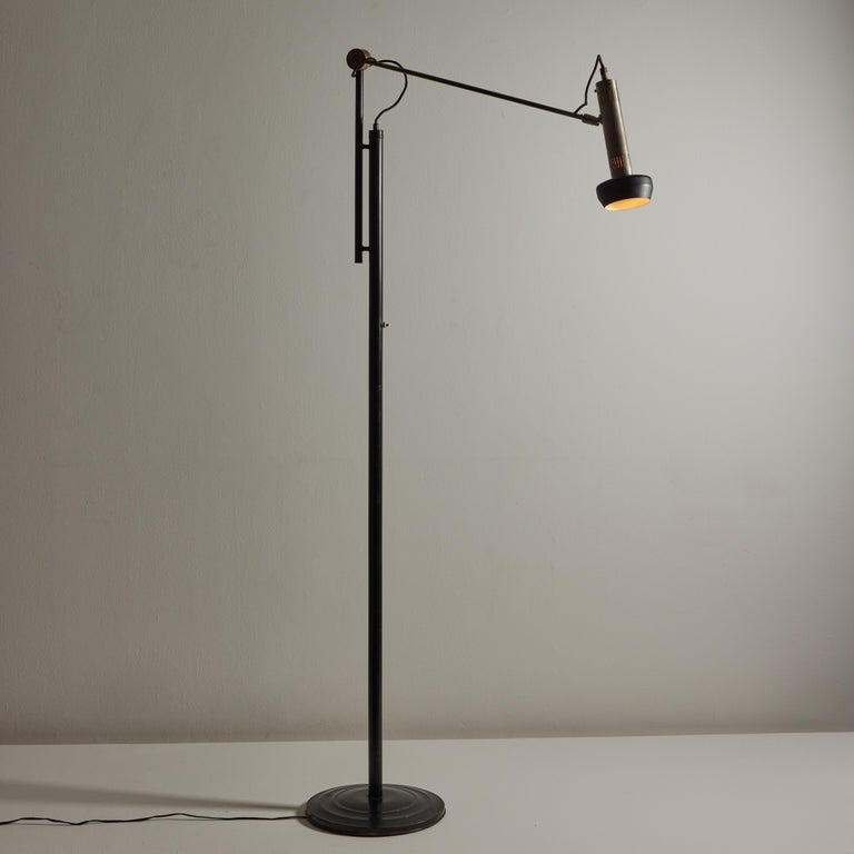 Model 387 Floor Lamp by Tito Agnoli for Oluce In Good Condition For Sale In Los Angeles, CA