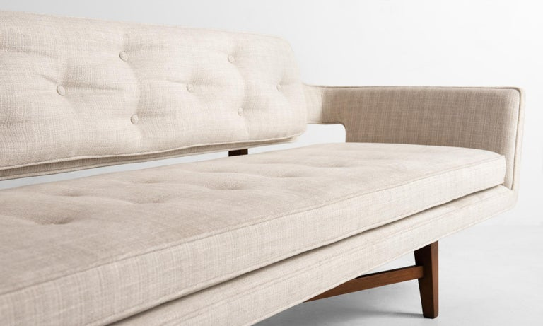 Mid-Century Modern Model 6133 Sofa by Edward Wormley, America, circa 1960 For Sale