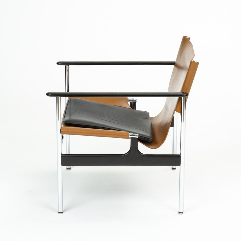 Model 657 Lounge Chair by Charles Pollock for Knoll In Excellent Condition For Sale In Los Angeles, CA