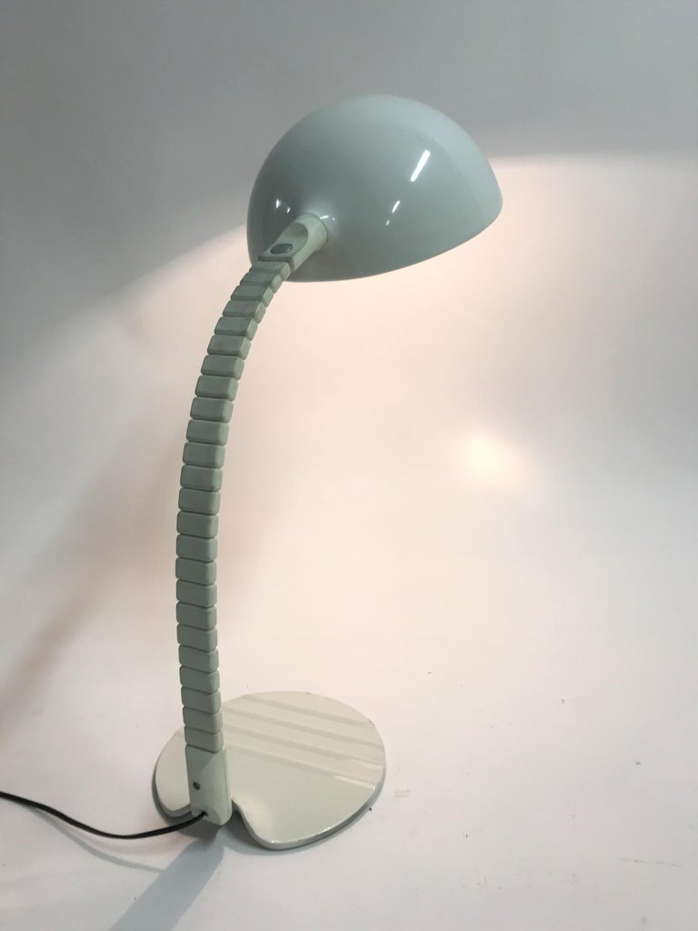 Model 660 Table Lamp