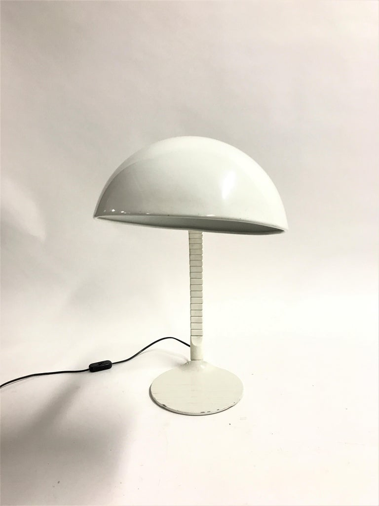 Mid-Century Modern Model 660 Table Lamp