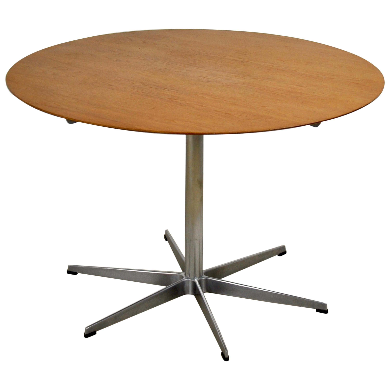 Model A826 Dining Table Von Arne Jacobsen for Fritz Hansen, 1950s