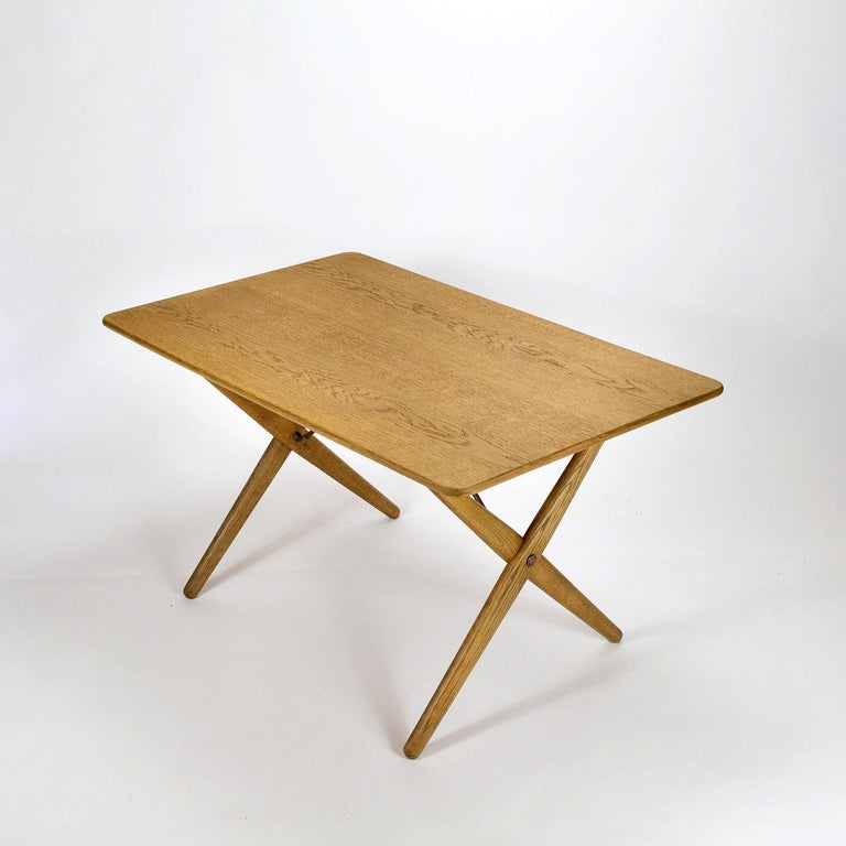 Model AT308 Oak Side Table by Hans Wegner for Andreas Tuck, Denmark, 1950s For Sale 3