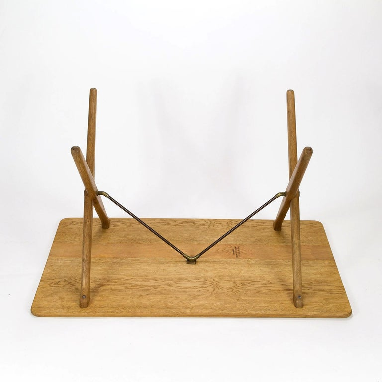 Model AT308 Oak Side Table by Hans Wegner for Andreas Tuck, Denmark, 1950s For Sale 4