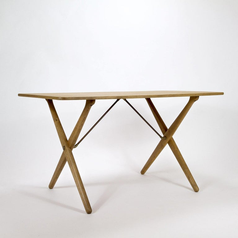 Mid-Century Modern Model AT308 Oak Side Table by Hans Wegner for Andreas Tuck, Denmark, 1950s For Sale
