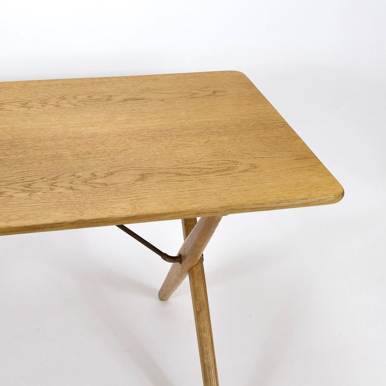 Brass Model AT308 Oak Side Table by Hans Wegner for Andreas Tuck, Denmark, 1950s For Sale