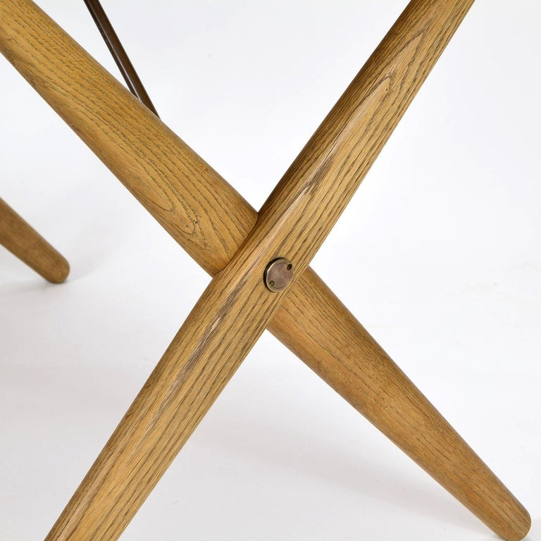 Model AT308 Oak Side Table by Hans Wegner for Andreas Tuck, Denmark, 1950s For Sale 1